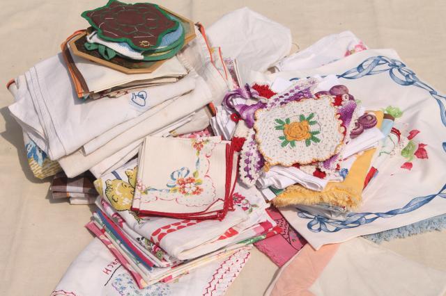 Captivating 100 Pieces Lot Of Vintage Kitchen Linens, Dish Towels, Potholders,  Tablecloths U0026 Napkins