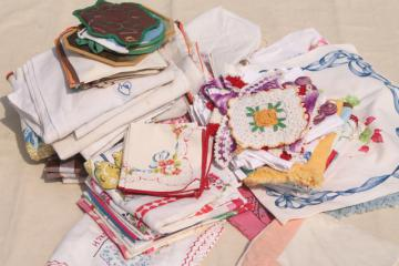 100 pieces lot of vintage kitchen linens, dish towels, potholders, tablecloths & napkins