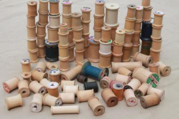 100 vintage wooden spools, old sewing thread spools, primitive wood spool lot