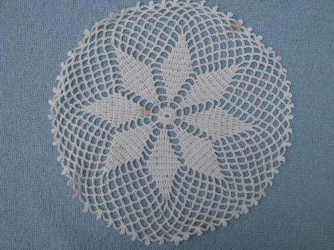 18 Vintage Crocheted Doilies Old Crochet Star Pattern Lace Doily Lot
