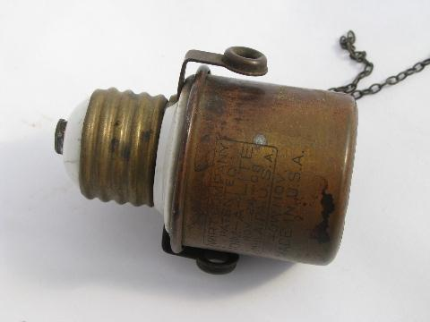 1908 antique early electric vintage light socket adaptor w/mica base