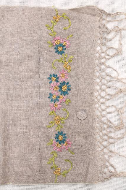 1920s Vintage Embroidered Linen Farmhouse Table Runner