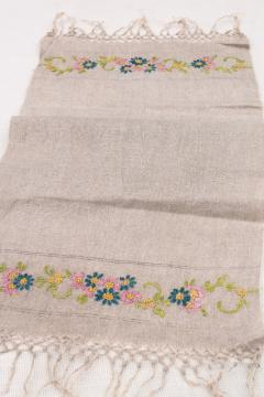 1920s vintage embroidered linen farmhouse table runner, natural flax color antique fabric