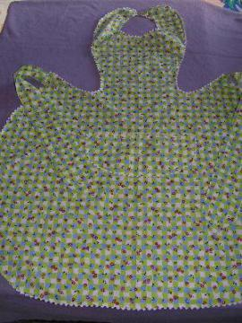1930's cotton print pinafore apron, floral check