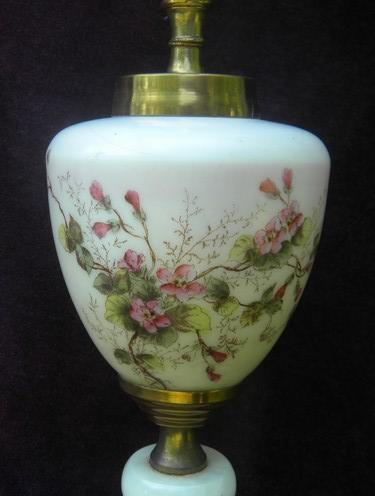 1930s or 1940s vintage flowered lamp, glass w/marble base
