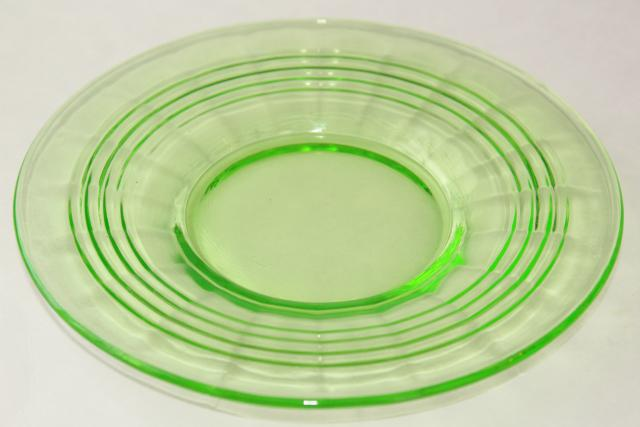1930s Vintage Anchor Hocking Green Depression Glass Plates