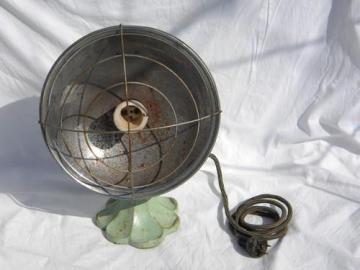 1930s vintage electric reflector heater w/cast iron base&old jadeite green paint