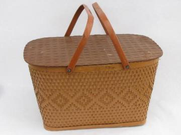 1940s - 50s vintage Red-Man label picnic basket hamper w/ metal handles