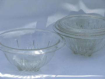 1940s kitchen glass mixing bowls, bowl nest set, vintage Hazel Atlas