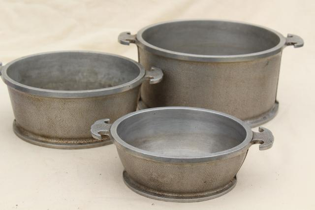 How Much Is 4 Quarts >> 1940s vintage Guardian Service ware aluminum cookware dutch oven pots and pans stack