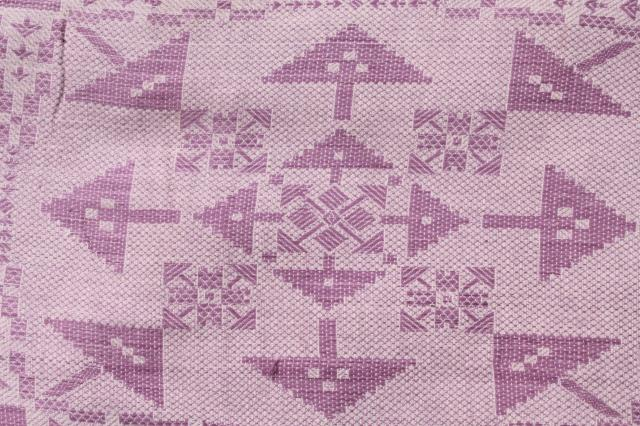 1940s vintage lavender floral bedspread, summer weight cotton coverlet