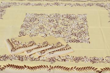 1940s vintage linens, print cotton kitchen tablecloth & napkins set, floral on creamy yellow