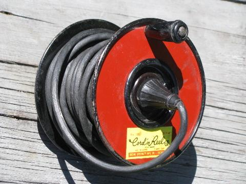 1940s vintage wind-up electrical utility extension cord & spool