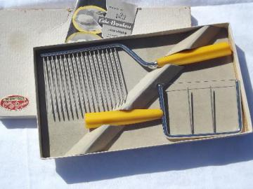 1950s cake breaker and cheese slicer set, golden corn yellow bakelite handles