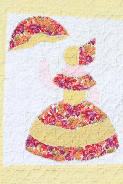 1950s Vintage Cotton Applique Quilt Sunbonnet Crinoline