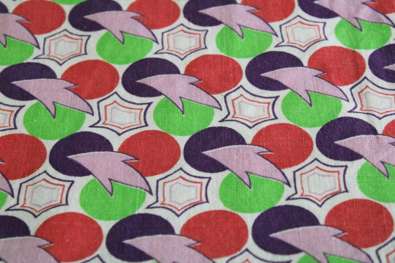 1950s vintage cotton feed sack fabric, deco mod pop art print dots w/ swooshy shapes