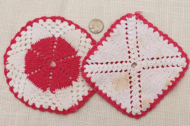 1950s vintage crochet potholders, lot of kitchen pot holders & hot mats