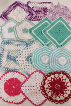 1950s vintage crochet potholders, lot of kitchen pot holders & hot mats