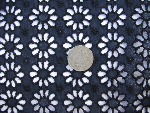 1950s Vintage Daisy Lace Eyelet Cotton Fabric Broderie