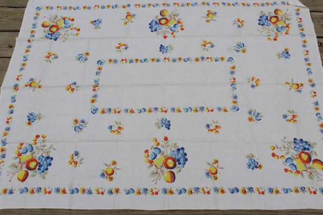 1950s vintage fruit print kitchen tablecloth & napkins, colorful printed table linen