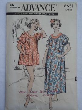 1950s vintage sewing pattern, large Hawaiian muu muu, Hawaii design