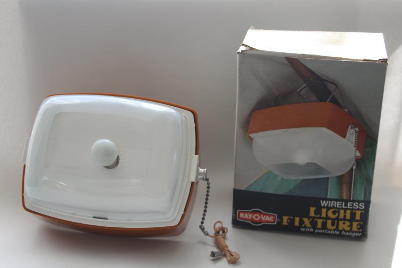 1970s vintage Ray-o-Vac battery operated portable plastic camp light, mint in box