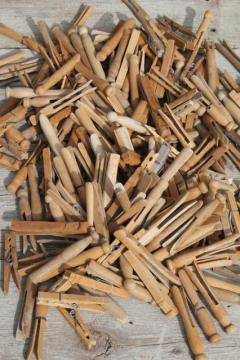 200+ vintage wood clothespins, primitive old wooden clothespin lot