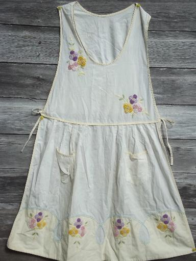 20s 30s vintage pinafore apron, flower embroidered cotton muslin bib apron