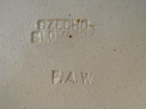 20s 30s Vintage Paw Czech Pottery Plate Torquay Style