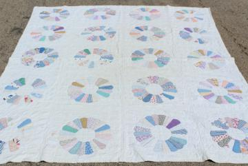 30s 40s vintage hand stitched Dresden plate quilt, cotton print fabric patchwork