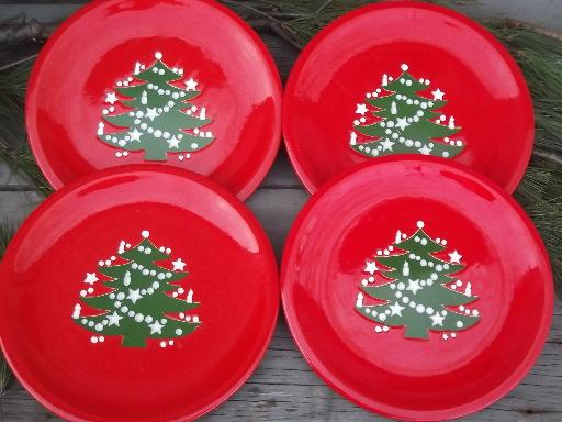 4 red and green Christmas Tree dinner plates, Waechtersbach pottery
