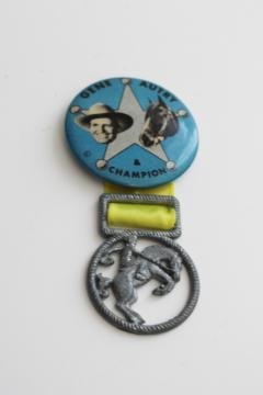 40s 50s vintage Gene Autry & horse Champion pin back button w/ cast metal medal