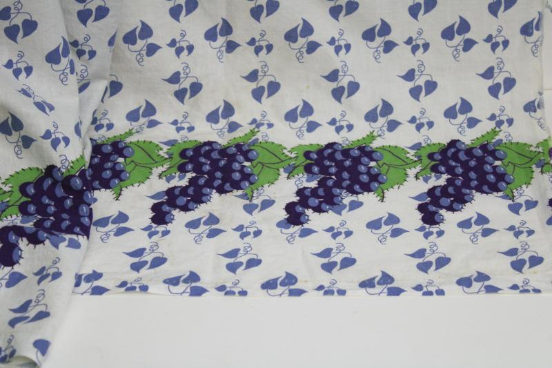 40s 50s vintage cotton feed sack fabric, border print blue & green grapes