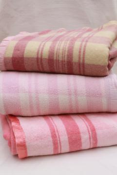 40s-50s vintage fold over camp blankets, double length long pink plaid glamping bunk blankets
