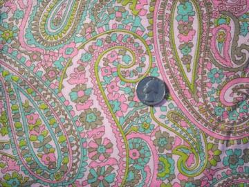 50s 60s vintage pink paisley cotton broadcloth fabric, pretty for aprons
