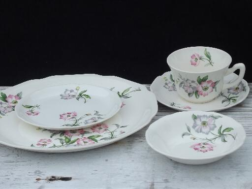 50s vintage USA pottery dinnerware, pink and lavender flowers, set for 10