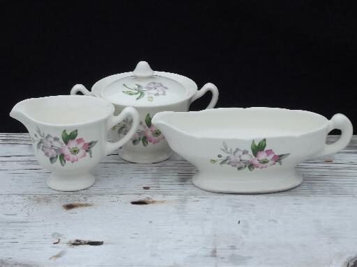 50s vintage usa pottery dinnerware pink and lavender for Cuisine retro 50 s