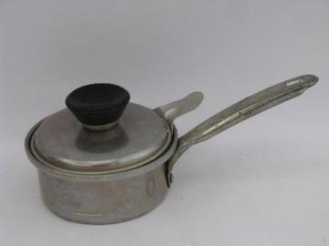 50's vintage aluminum cookware, small Mirro egg poacher pan w/ lid