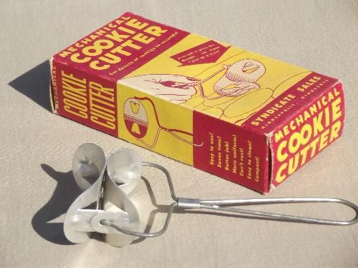 50s vintage mechanical cookie cutter in original box, round cookie roller