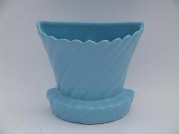 50s vintage wall pocket planter vase, looks like old McCoy pottery flower pot