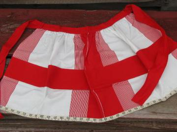 50s-60s vintage red and white cotton sewing apron w/ tape measure hem