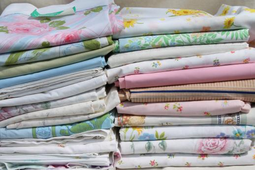 60s 70s 80s vintage flower print fabric bed sheets huge lot of retro linens