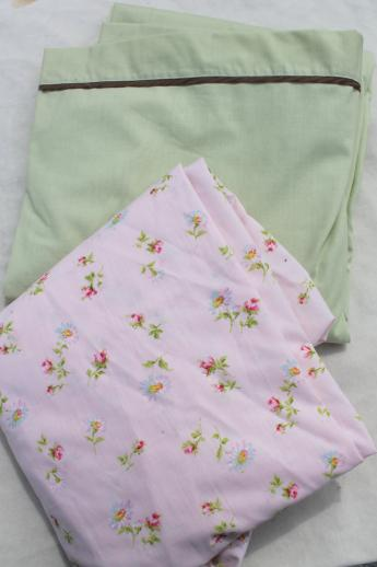 60s 70s 80s vintage flower print fabric bed sheets, huge lot of retro linens