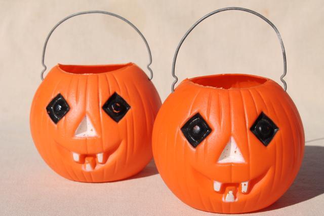 70s 80s Vintage Plastic Halloween Pumpkins, Little Trick Or Treat Pails  Jack O Lanterns W/ Wire Handles