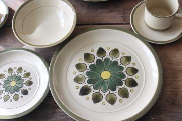 70s vintage Japan stoneware dinnerware set, hippie mod flower power daisy starburst