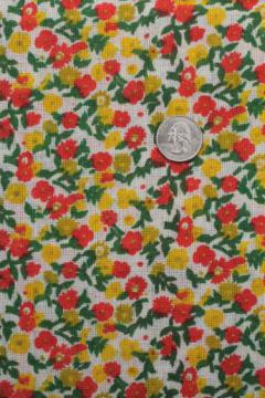 70s vintage cotton blend hopsack fabric w/ retro flowered print, flowers in red & yellow