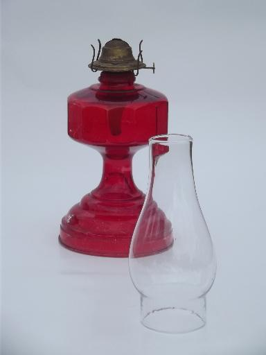 70s vintage glass oil lamp, homesteader antique chimney lamp w/ shade