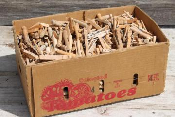 750+ vintage wood clothespins, primitive old wooden clothespin lot