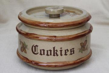 80s vintage country stoneware cookie jar, signed & dated Old Crow pottery