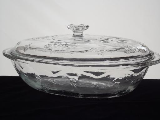 Anchor Hocking 2 qt oval casserole w/ lid, Savannah flowered clear glass